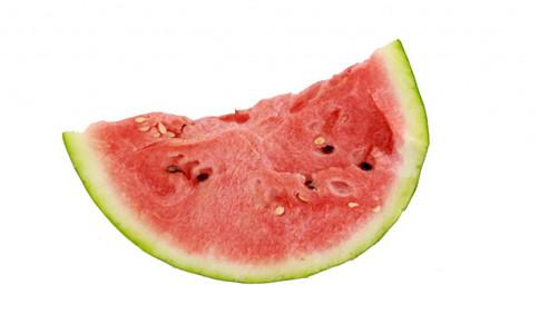 哪些人不能吃西瓜 夏天吃西瓜的坏处 夏天吃西瓜的好处
