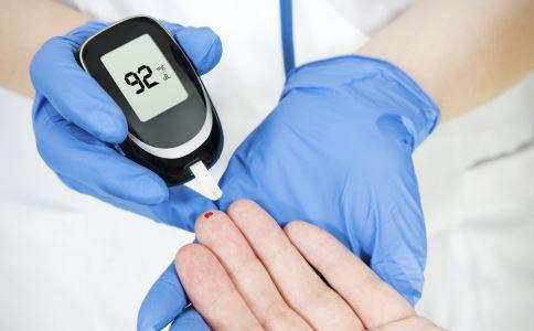 糖尿病血糖监测要注意什么 夏天糖尿病患者如何检测血糖