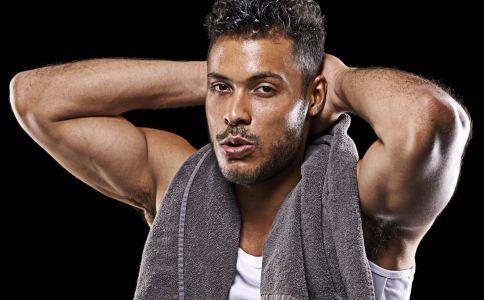 男士应该怎么锻炼出腹肌 练腹肌时饮食要注意什么 怎么能快速练出腹肌