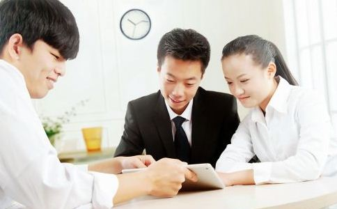 如何处理好人际关系 职场交往技巧有哪些 人际交往的小技巧