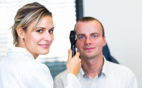 经常会偏头痛怎么办 头痛的人该做什么检查 偏头痛有什么症状