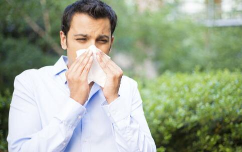 深圳连续流感预警 流感的症状 如何衣服流感