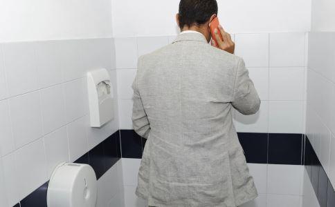 男人小便疼是怎么回事 男人小便疼的原因是什么 为什么男人小便会疼