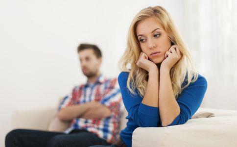 男人出轨有什么表现 男人出轨了怎么办 面对老公的出轨妻子应该做什么