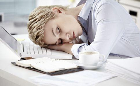 熬一夜胖一斤 如何减少熬夜的伤害 熬夜的危害