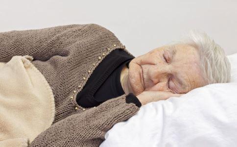 老年人嗜睡的原因是什么 老年人嗜睡是怎么回事 为什么老年人嗜睡