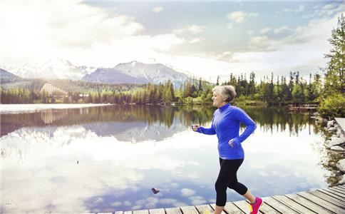 老年人如何健身 健身途径有哪些 什么运动适合老年人健身