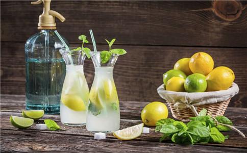 喝柠檬水好吗 喝柠檬水有什么好处 柠檬水怎么做