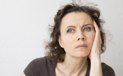 更年期症状有哪些 更年期有哪些症状 女人更年期吃什么好