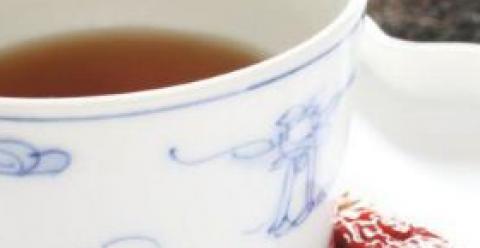 养颜喝什么药茶 女性养颜喝什么茶 女性养颜怎么做