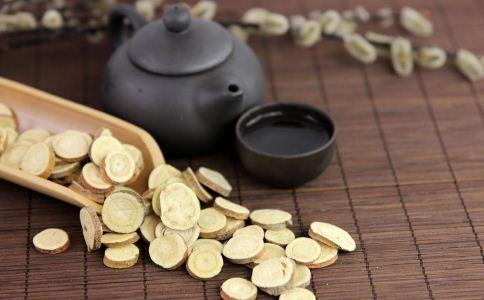 黄芪泡水喝的功效与作用 黄芪怎么泡水喝 黄芪的禁忌
