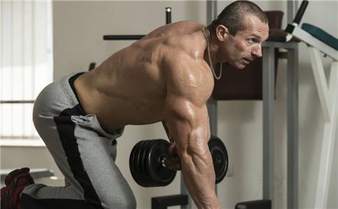 肱二头肌怎么锻炼 弯举怎么练肱二头肌 练肱二头肌要注意什么