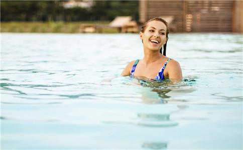 踩水好学吗 游泳踩水的方式 怎么快速学会踩水