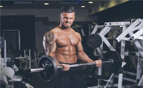 男人力量训练动作 力量训练有哪些好处 力量训练注意事项