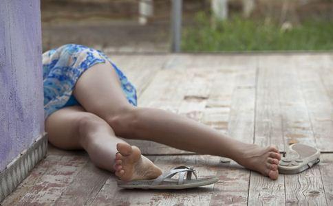 失忆女孩晕倒街头 失忆的原因 失忆女孩晕倒