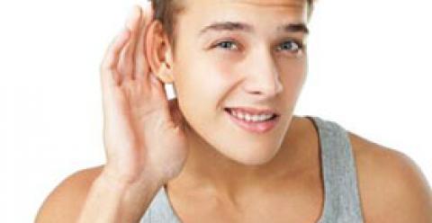 摸耳朵的好处 揉捏耳朵的正确方法 摸耳朵有什么好处吗