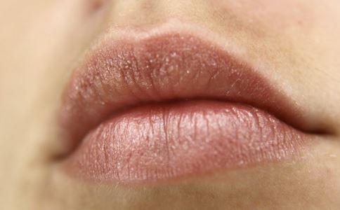 嘴唇太厚怎么办 嘴唇厚可以整容吗 嘴唇变薄术怎么做
