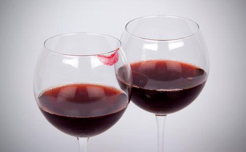 红葡萄酒抗衰老吗 红葡萄酒的功效 红葡萄酒怎么喝最健康