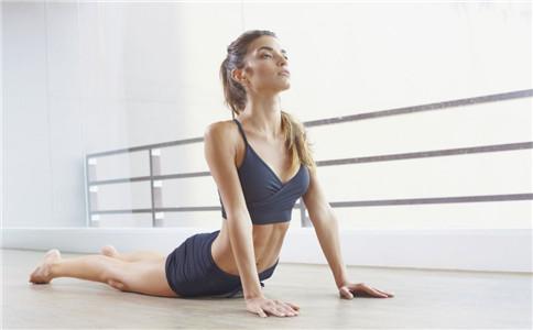 女生练二头肌好吗 女生怎么练肱二头肌 女生健身需要注意什么