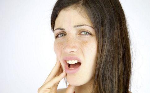 口腔癌怎么治 口腔癌怎么预防 如何发现口腔癌