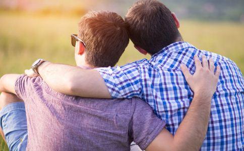同性恋产生的原因有什么 什么会导致同性恋的产生 怎么判断男同性恋