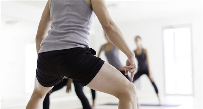男人蹲马步有什么好处 蹲马步能治疗早泻吗 如何正确蹲马步