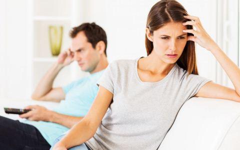 恋人之间吵架怎么办 如何维护恋人之间的感情 你和另一半吵架时该怎么办