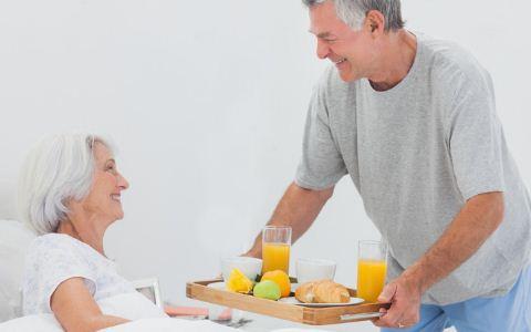 老人喝粥有助于长寿吗 老人长寿吃什么好 老人怎么做能长寿