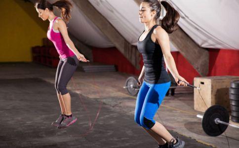 跳绳减肥该怎么做 跳绳减肥要多久才能见效 怎样跳绳减肥