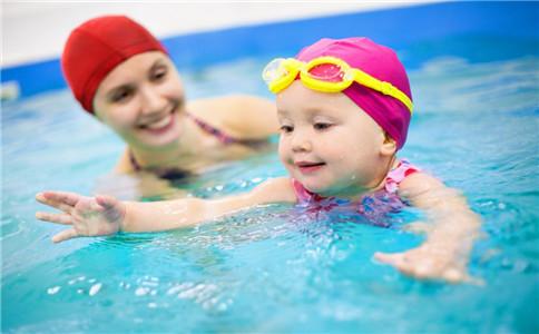 小朋友游泳的好处 儿童游泳注意事项 怎么学会游泳
