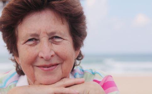 如何祛除老年斑 治疗老年斑的方法有哪些 怎么治疗老年斑