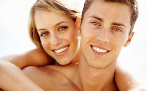女人好色的表现 好色的女人有什么异常表现 女人好色有什么表现