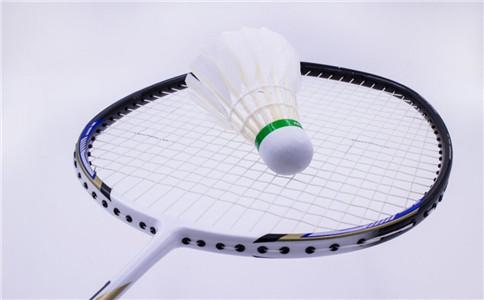 儿童打羽毛球有什么好处 怎么学会打羽毛球 打羽毛球注意事项