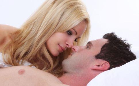 女人要怎么夸男人比较好 女人可以怎样夸男人 女人要怎么样挑逗男人