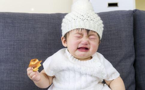 """湖北""""摇头治疗""""事件 引起小儿脑瘫的原因是什么 脑瘫的早期症状有哪些"""