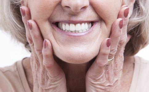 老人如何护理牙齿 老人护牙的方法 老人怎么护理牙齿