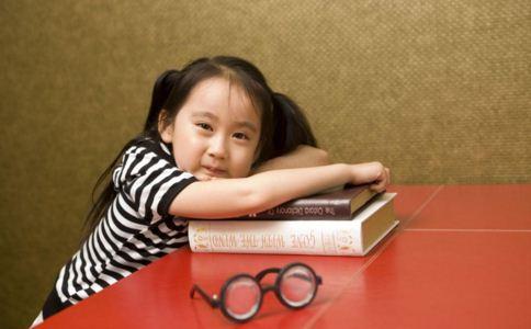 怎么预防近视 保护视力吃什么好 保护视力吃什么水果