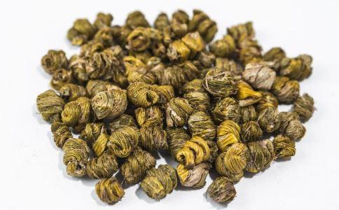 石斛能养胃生津。石斛茶可以解决许多问题。