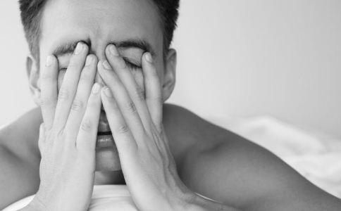 眼睛疲劳怎么缓解 男人眼睛疲劳怎么缓解比较好 用眼过度可以多喝哪些茶缓解