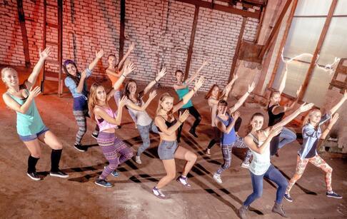 跳舞延缓衰老 跳舞有什么好处 跳舞注意哪些事项