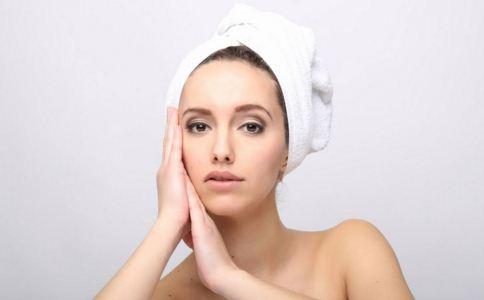 经期真不能洗头吗 经期洗头什么时间好 洗头的正确方法