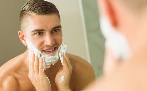 不刮胡子有什么危害 刮胡子容易出现什么问题 怎么刮胡子比较好