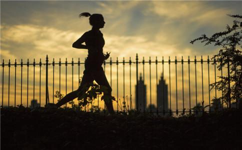 夜跑注意事项 夜跑有什么好处 夜跑后怎么洗澡