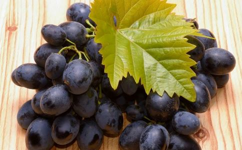 老人吃什么水果好 适合老人吃的水果 哪些水果适合老人吃