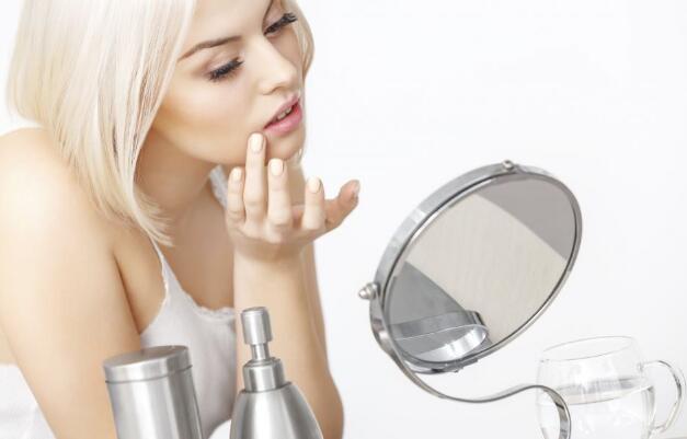 肤质测试 皮肤类型 油性皮肤 干性皮肤 中性皮肤 怎么改善肤质