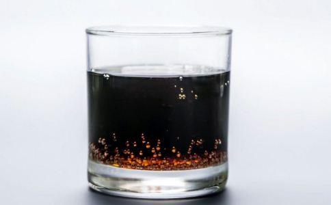 保温杯可以泡中药吗 保温杯泡中药好吗 保温杯里不能装什么