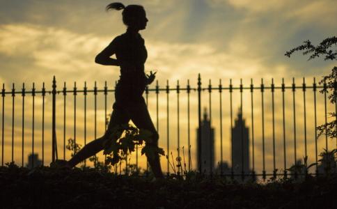 夜跑的减肥效果好吗 夜跑可以减肥吗 怎么夜跑可以减肥