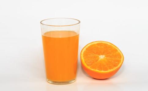 喝果汁可以减肥吗 什么果汁排毒效果好 喝了可以排毒减肥的果汁