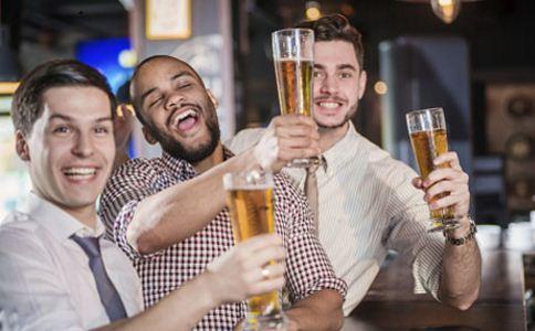 从男人喝酒可以看出他的性格吗 男人怎么喝酒才能千杯不醉 怎么喝酒不容易醉