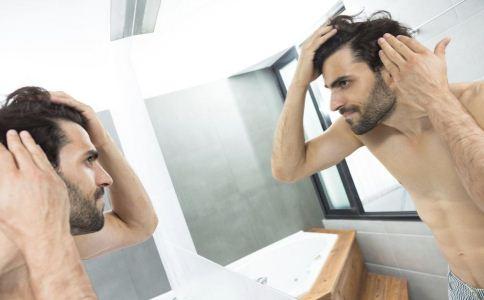 染发之后怎么护理自己的头发 烫发之后多久洗头 烫头发之后要多吃什么